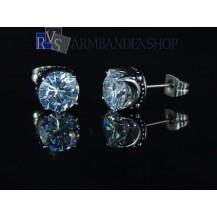 """Rvs oorbellen met """"diamant""""."""